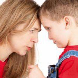 Що робити, якщо 7-річна дитина перестав слухатися?