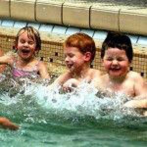 Що робити, якщо дитина боїться води. Готуємося до літнього відпочинку