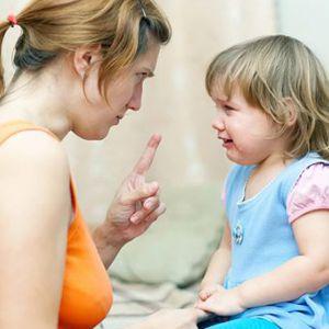 Що робити, якщо дитина б`ється з батьками вдома і з однолітками в дитячому садку?
