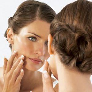 Домашній догляд за чутливою проблемною шкірою