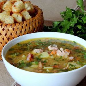 Гороховий суп з копченостями