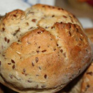 Хліб з лляними насінням