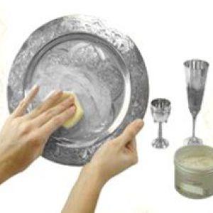 Як швидко очистити срібло від чорноти