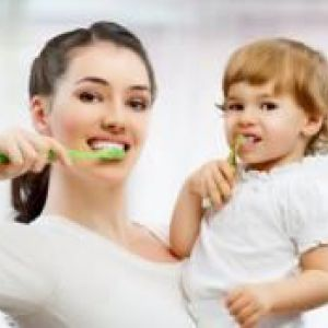 Як навчити і привчити дитину чистити зуби