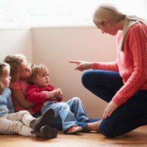 Як відучити однорічної дитини битися