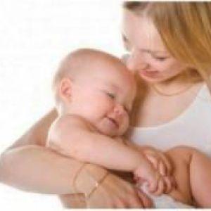 Як відучити дитину спати на руках