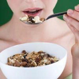 Як підвищити жирність молока у годуючої мами?