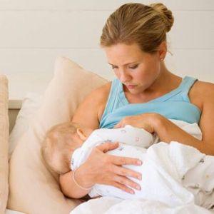 Як народжують дівчата (молоді жінки) і жінки старшого віку корисно вивчити перед пологами
