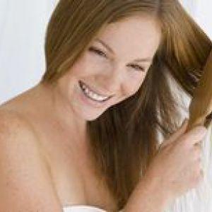 Як відновити волосся після пологів?