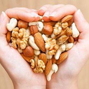 Чи можуть горіхи при грудному вигодовуванні вплинути на самопочуття дитини
