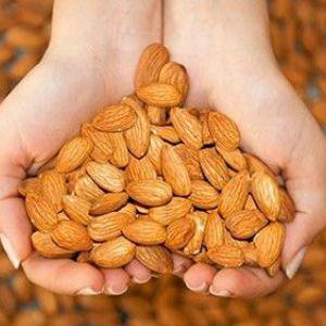 Чи можна мамі, що годує мигдаль: ймовірність алергії і правила обережності