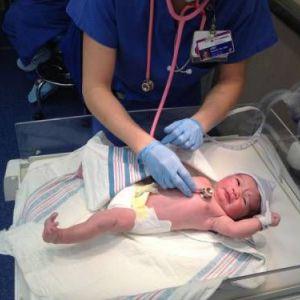 Оцінка новонародженого за шкалою апгар