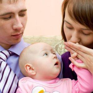 Чому чоловік ревнує до дитини і що з цим робити?