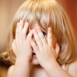 Допомагаємо дитині подолати сором`язливість