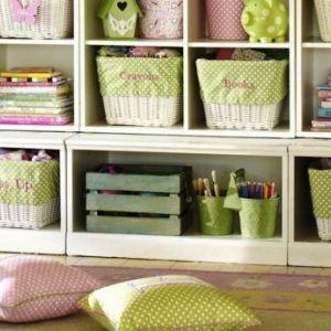 Порядок і затишок в дитячій: ідеї для зберігання іграшок