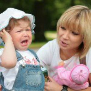 Причини істерики у дворічної дитини і способи впоратися з нею