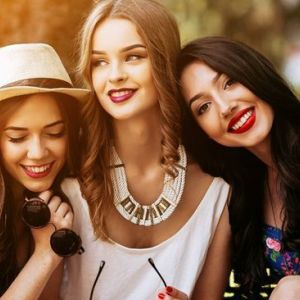 Поширені стереотипи про дружбу і друзів