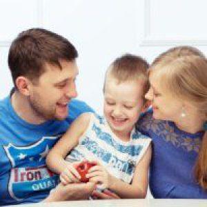 Дитина і другий чоловік: як налагодити стосунки в родині