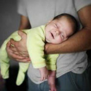 Дитина спить тільки на руках