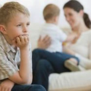 Ревнощі старшої дитини до молодшого