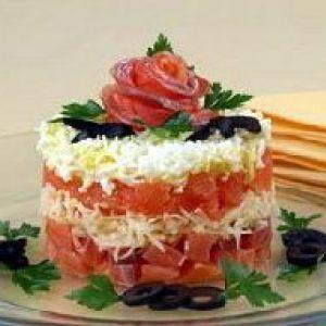 Салат з сьомги слабосоленої