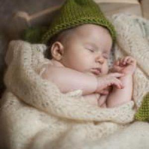 Скільки повинен спати дитина?