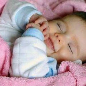 Скільки спить новонароджений малюк?