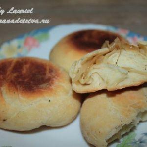 Листкові пиріжки з дріжджового тіста