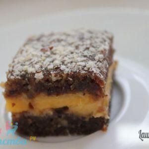 Торт з персиками
