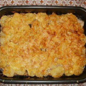 Запечене м`ясо з картоплею